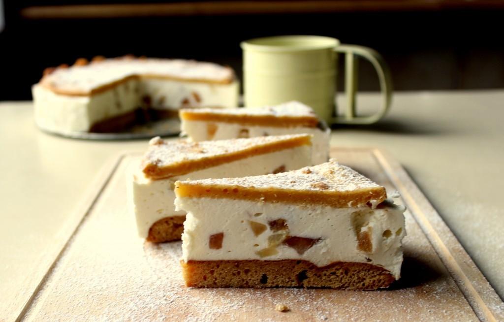 Medovníkový cheesecake