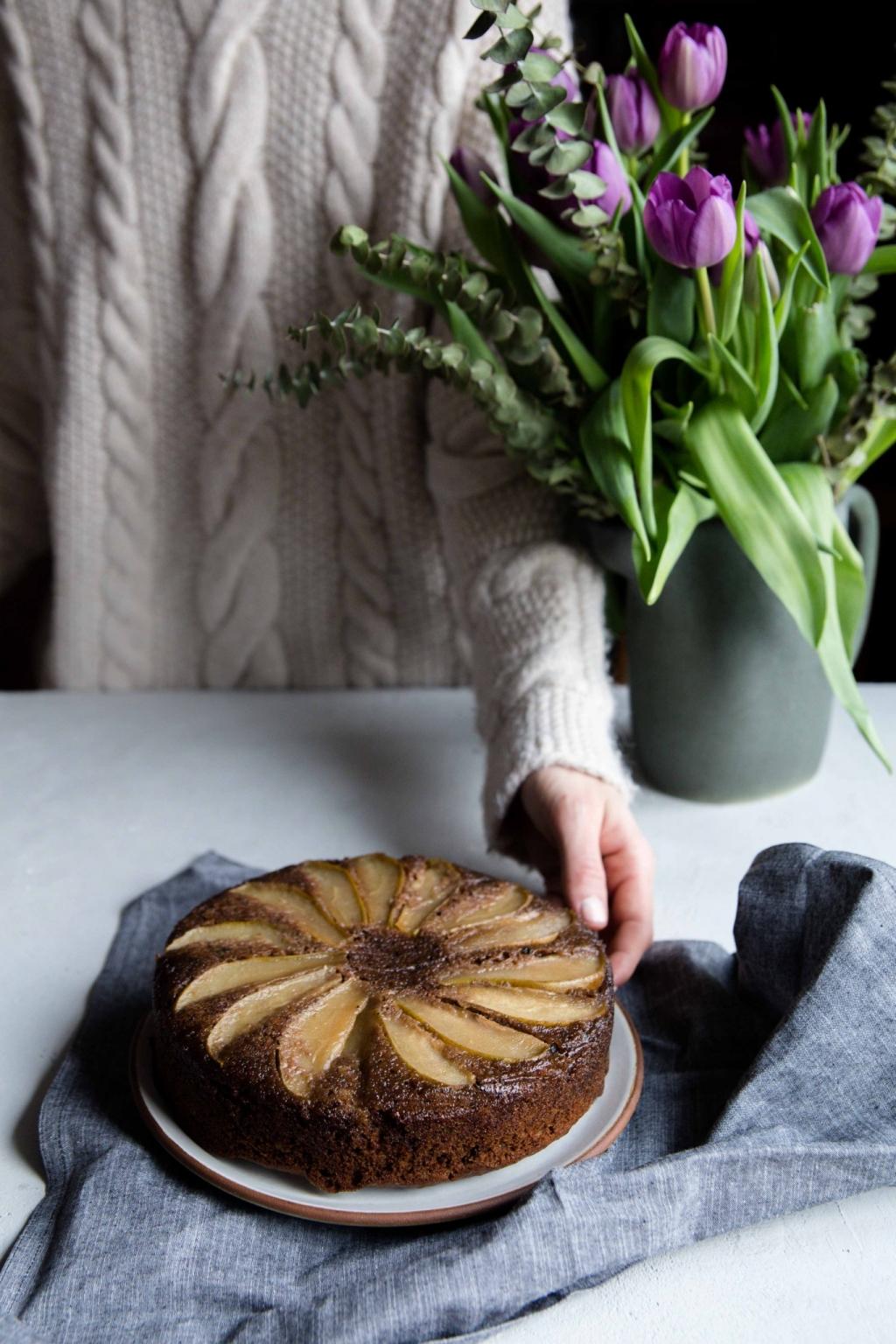 Hruškový obrátený koláč