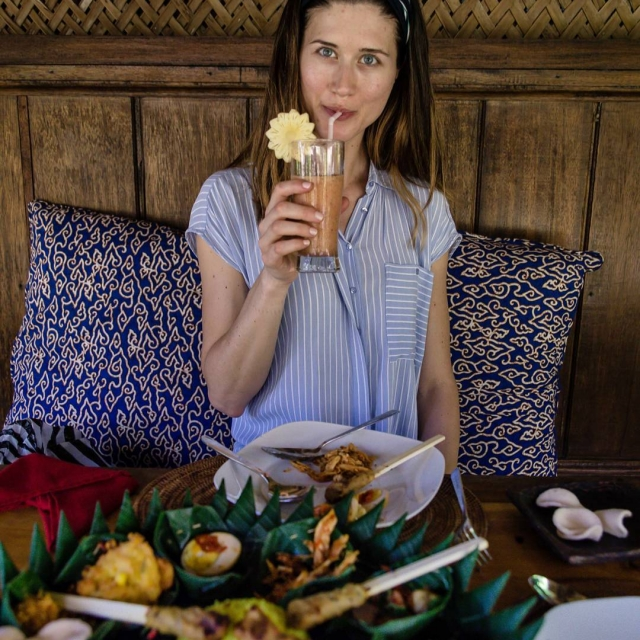 V Cafe Wayan Bakery maju ten najlepsi indonezsky Rijstaffel cohellip